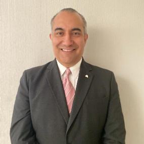 Élder Héctor Méndez