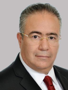 Élder Carlos Torres
